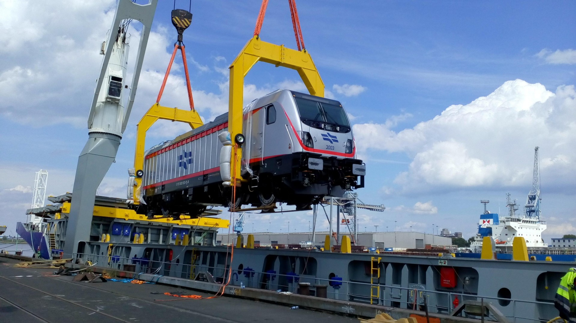 Train lift frame